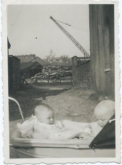 dklp-in-at-midland-terrace-millhead-1948